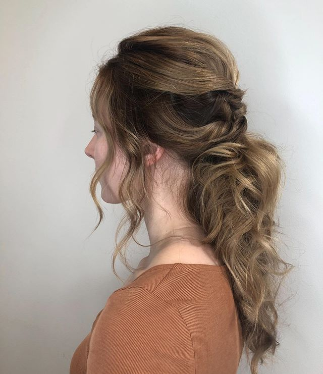 Getting ready. Trial wedding up-do #napawedding #weddinghair #hairstyles #dnosalon #strawberryvillagemillvalley #marincountysalon #bestofmarin #updo #weddinghair #ponytail