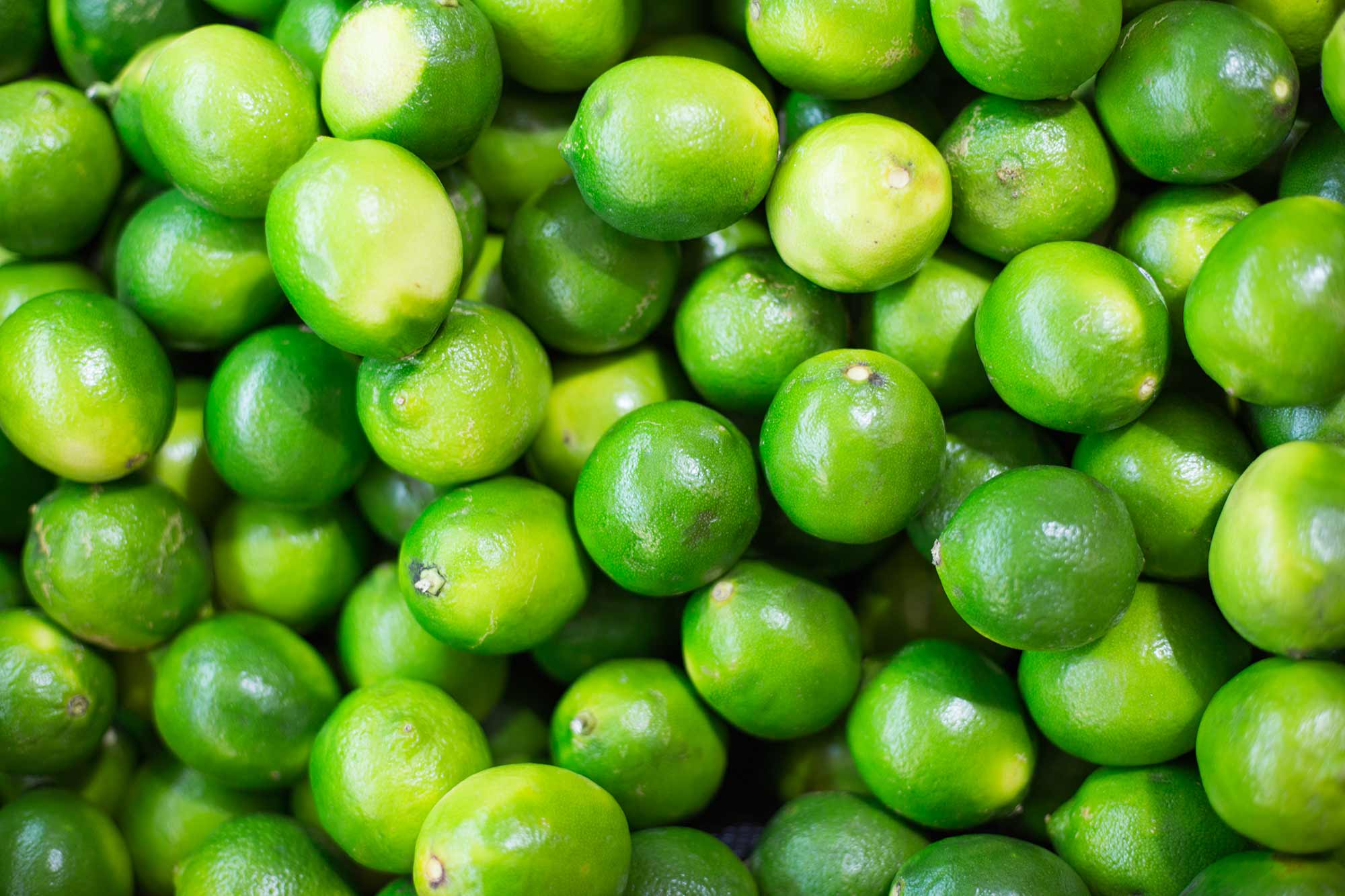 pile-of-green-limes-on-market-pattern-picjumbo-com.jpg