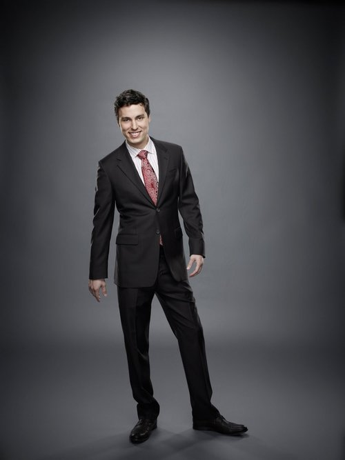 Bones-Season-Six-Cast-Promotional-Images-john-francis-daley-15214294-1200-1600.jpg