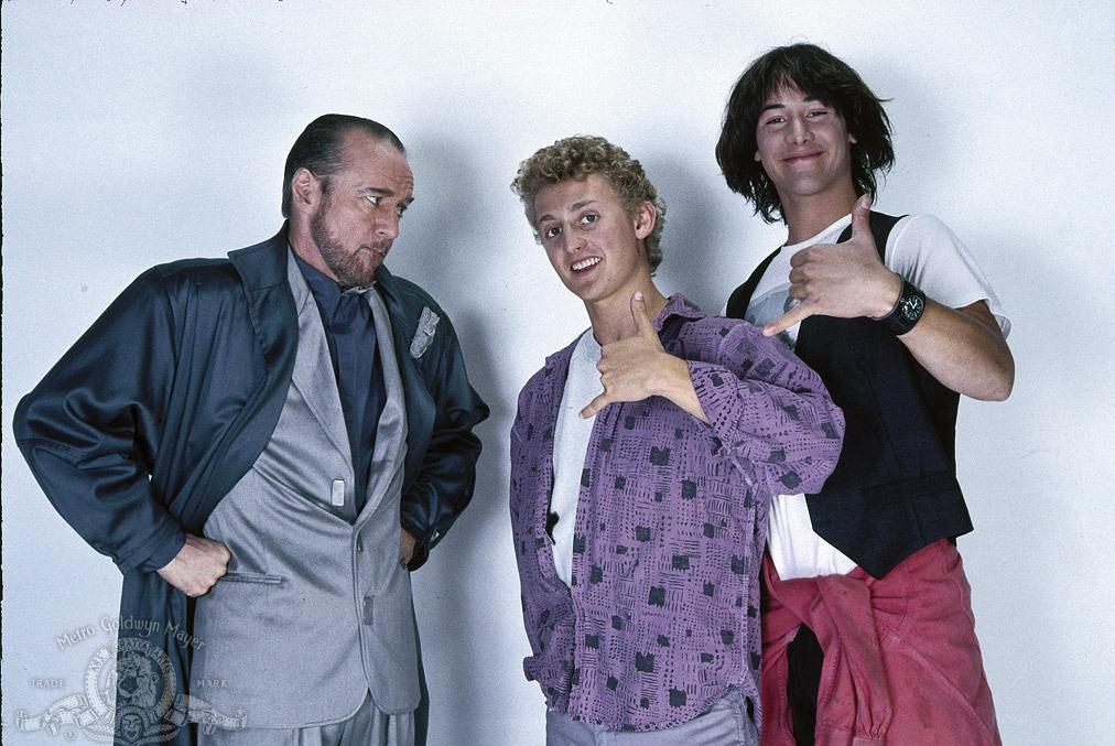 still-of-keanu-reeves,-george-carlin-and-alex-winter-in-bill-&-teds-excellent-adventure-(1989)-large-picture.jpg