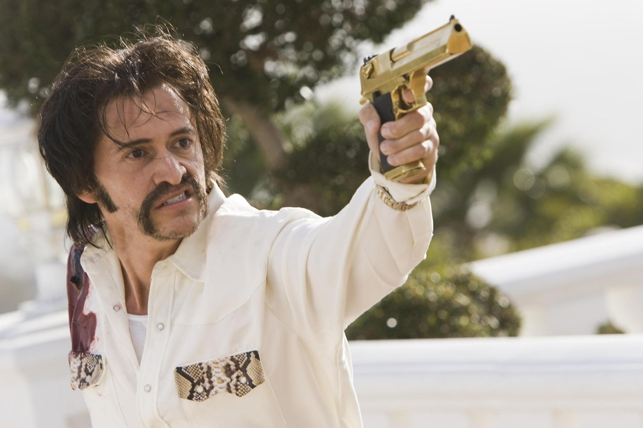 still-of-clifton-collins-jr.-in-crank_-high-voltage-(2009)-large-picture.jpg