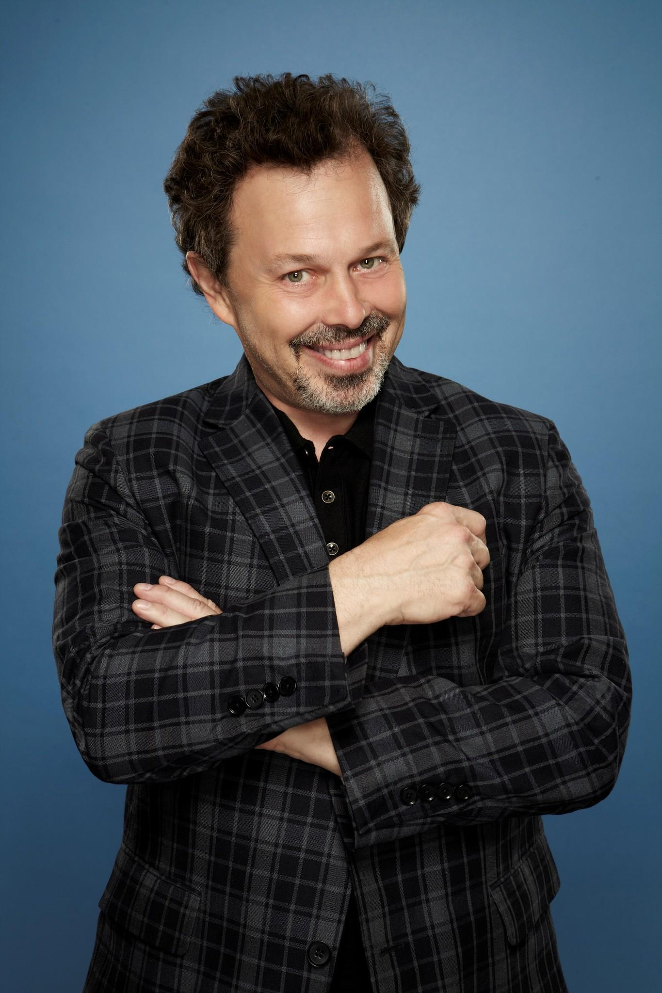 picture-of-curtis-armstrong-in-king-of-the-nerds-2013--large-picture.jpg