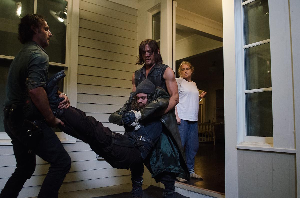 Rick-and-Daryl-Bring-Jesus-Inside-in-The-Walking-Dead-Season-6-Episode-10.jpg