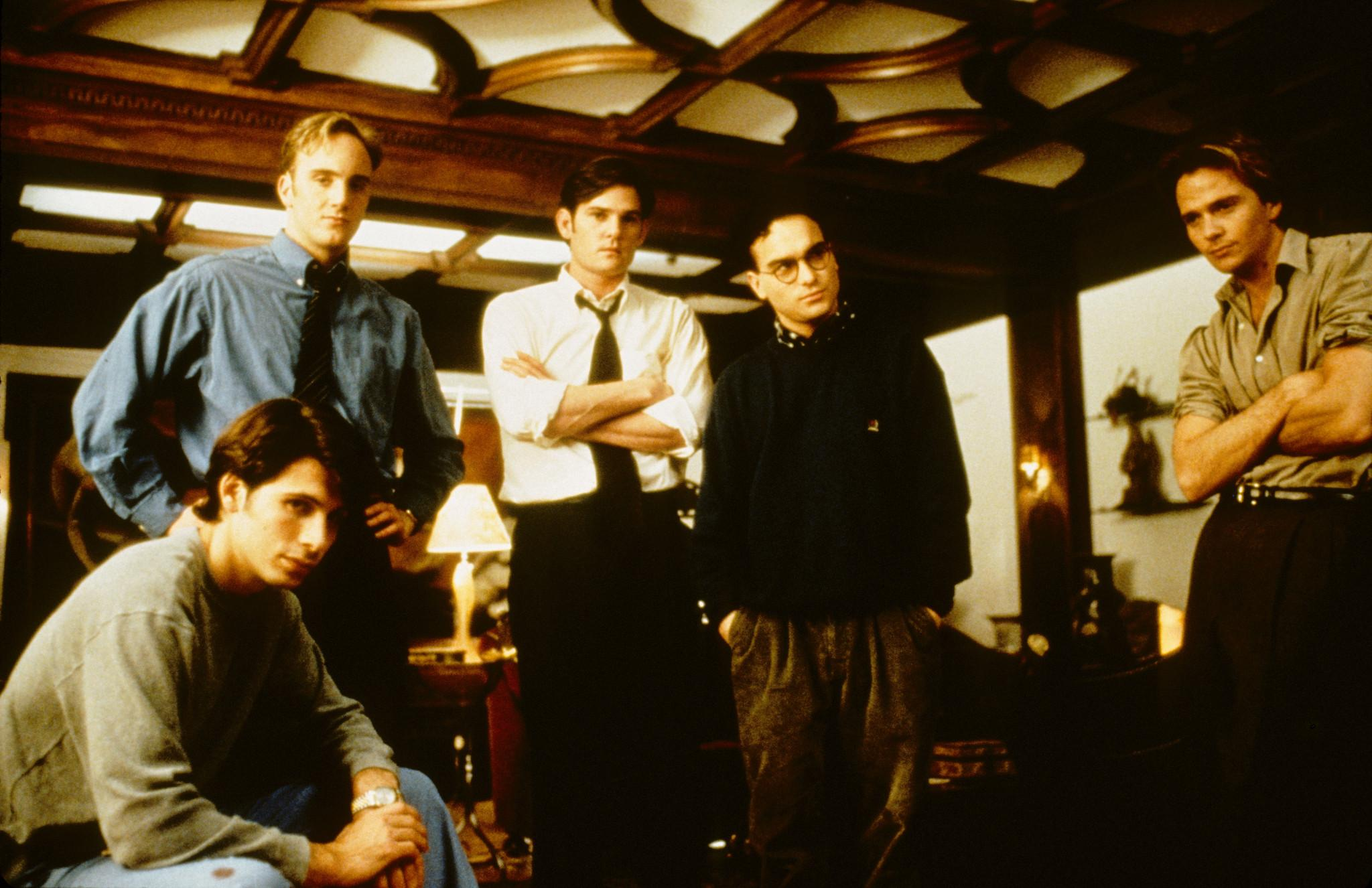 sean-patrick-flanery,-jay-mohr,-henry-thomas,-jeremy-sisto,-and-johnny-galecki-in-suicide-kings-(1997)-large-picture.jpg