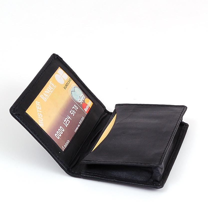 Noa-19-ID_CreditCardCase.jpg