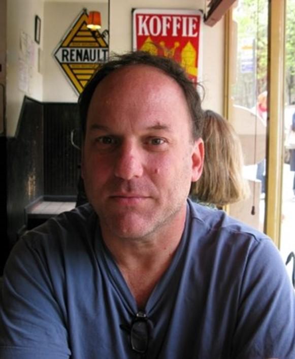 马修    英文教师   毕业于纽约大学,现于曼哈顿高中执教英文