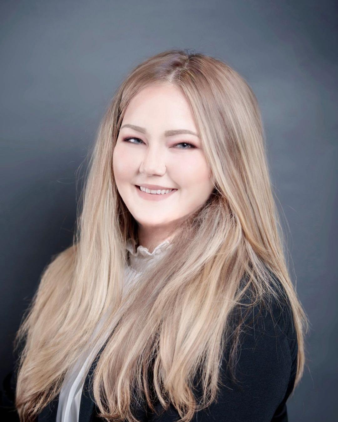 Samantha    Academic Supervisor & Students Consultant