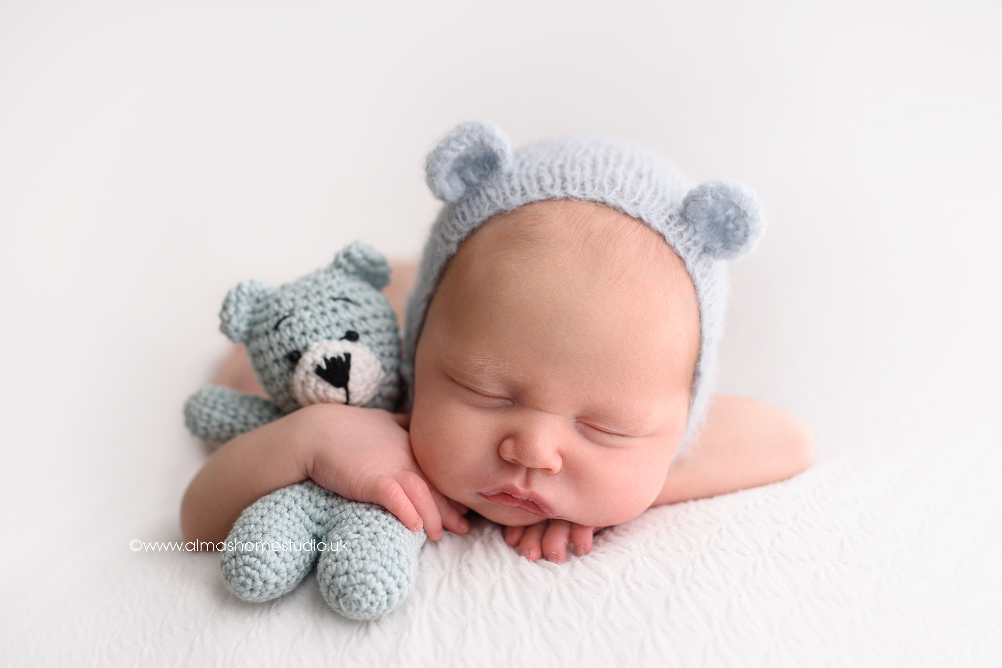 Newborn photographer near me Blandford Forum, Dorset