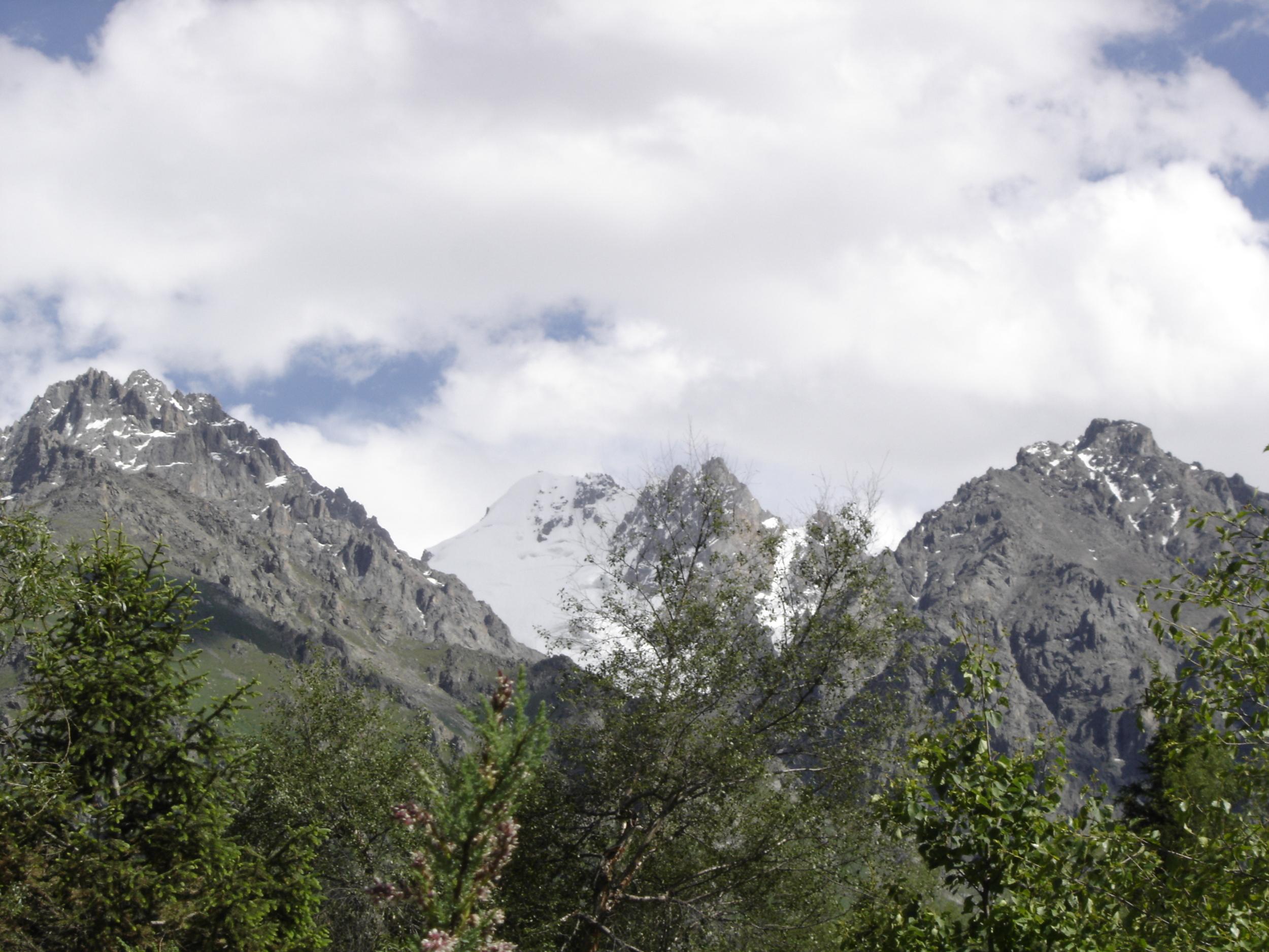 Kyrg_Mountains.JPG