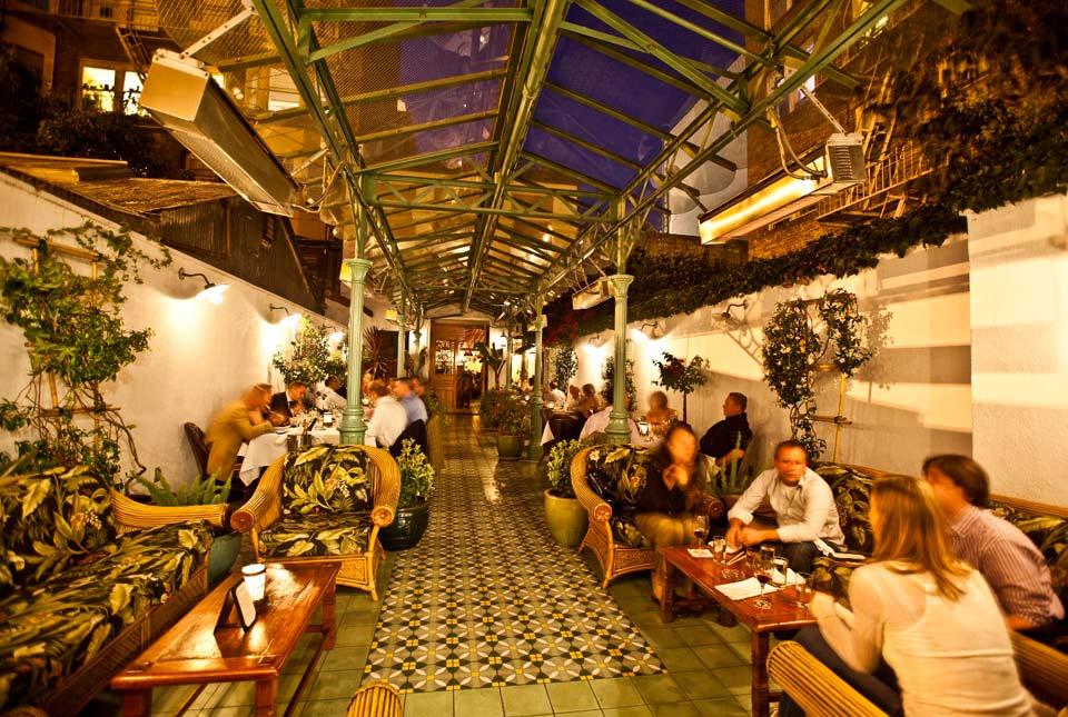 photos_le_colonial_patio.jpg