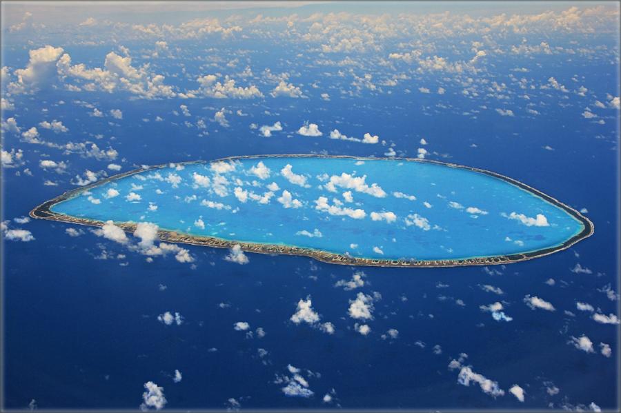 Stunning atol in French Polynesia - ripe for bushcraft training