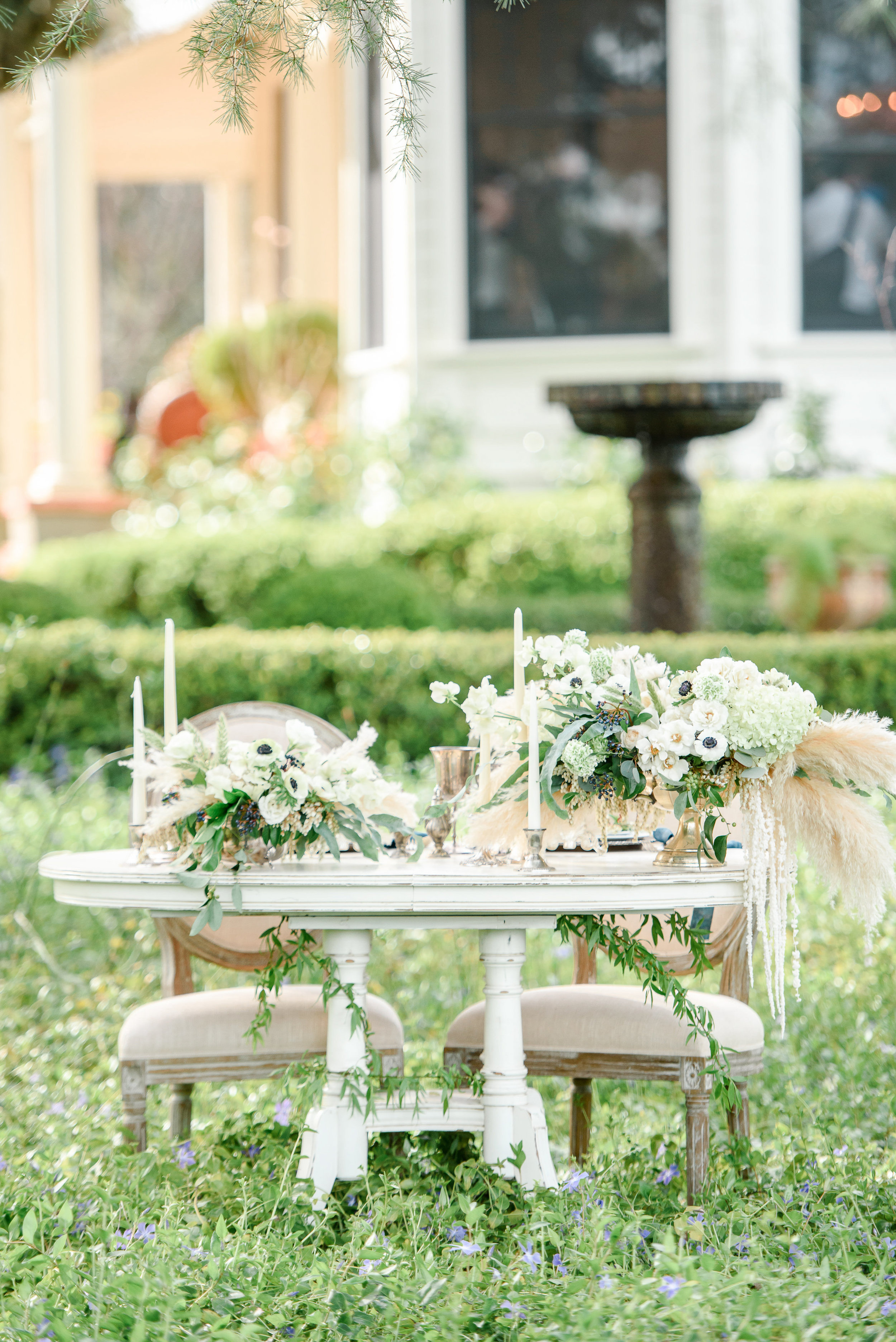 Spring Wedding Flowers | Sweetheart Table | Anemones | Pampas Grass