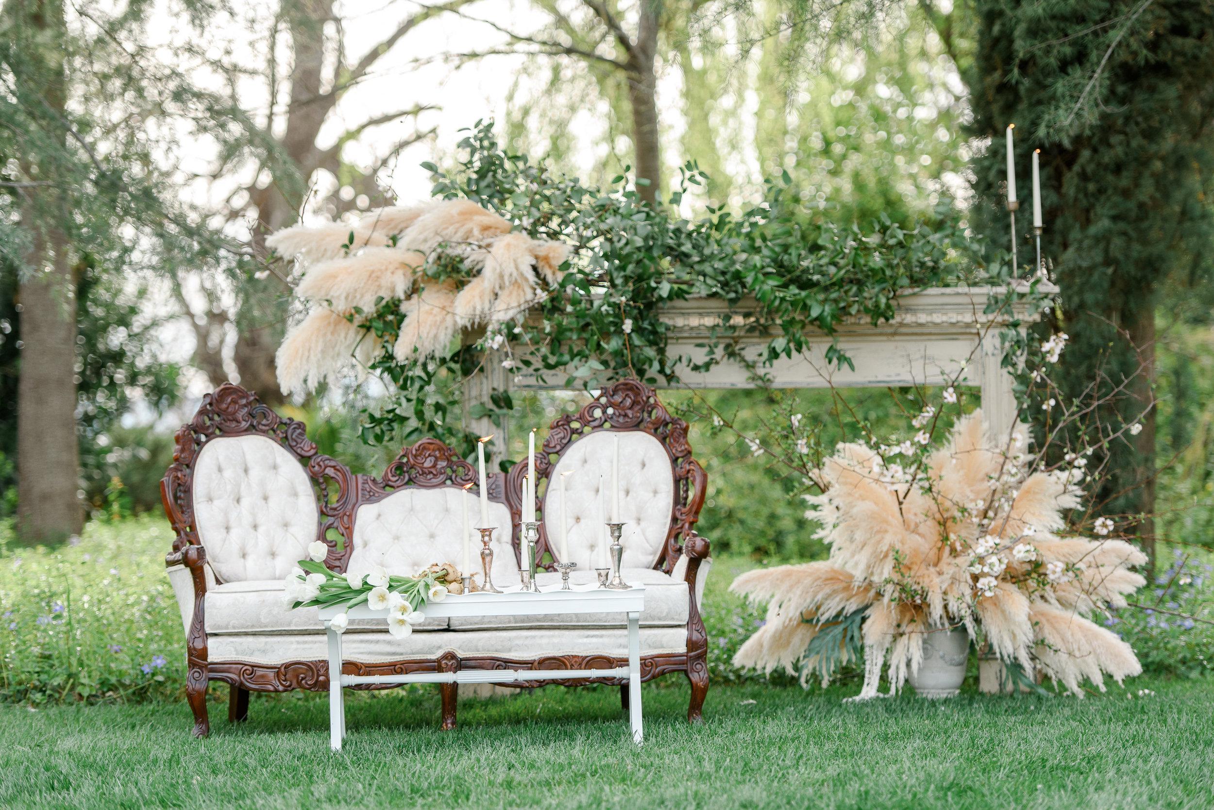 Wedding Seating | Wedding Lounge Seating | Pampas Grass