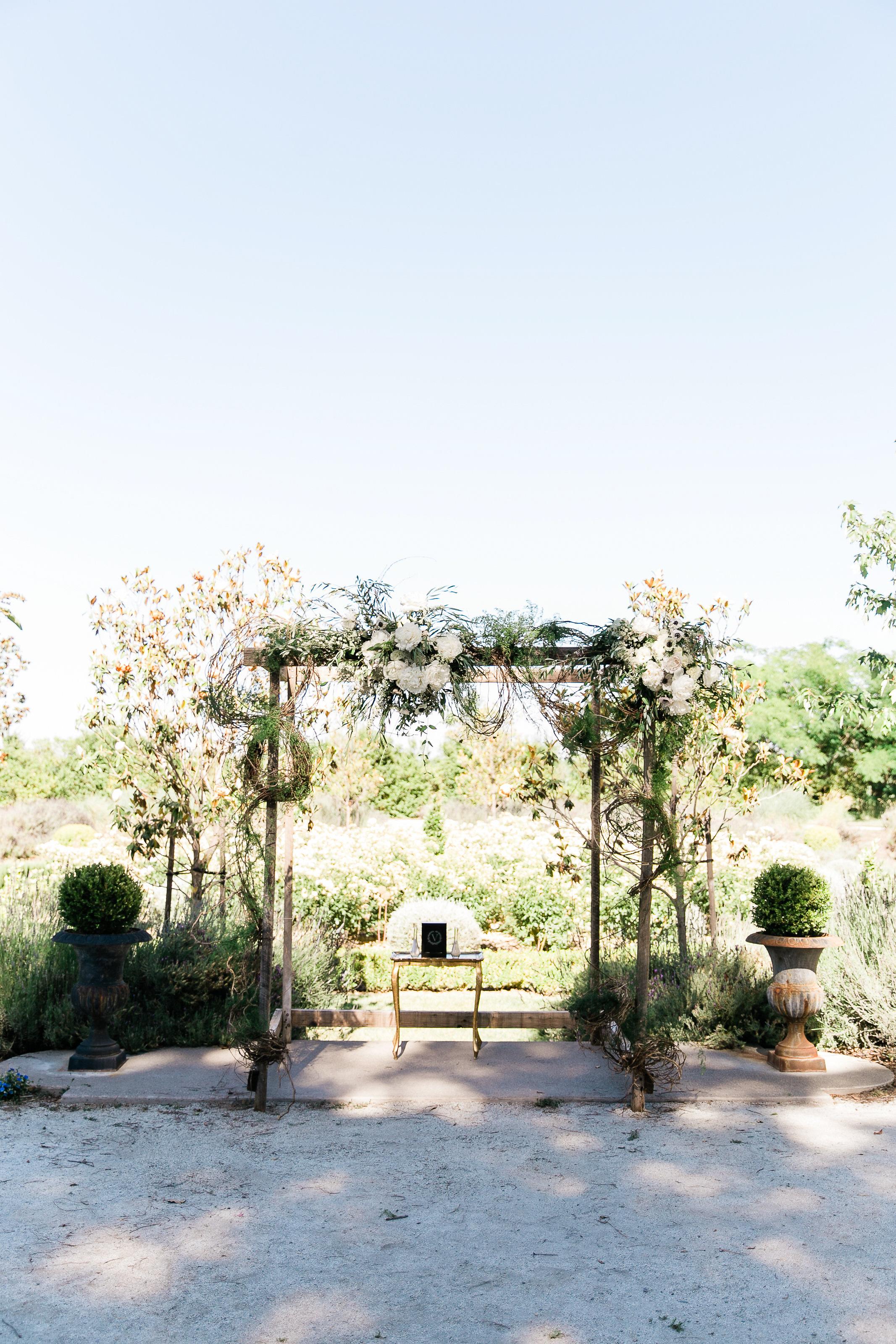 Park Winters Summer Wedding | Wedding Ceremony Flowers | Wedding Ceremony Arch | Wedding Flower Arrangements | Pastel Wedding Flowers