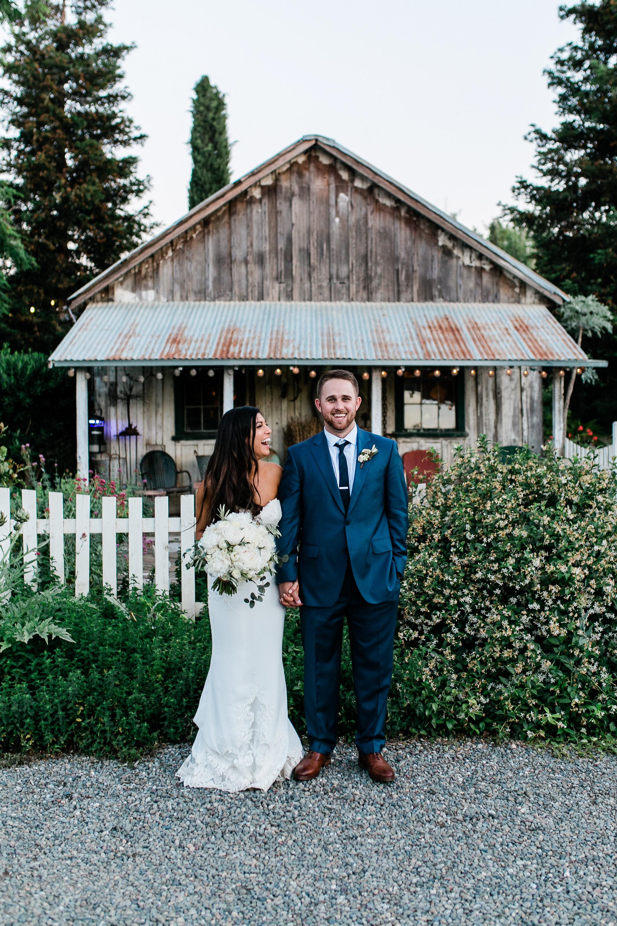 Park Winters Summer Wedding | Bride and Groom Photo | Country Wedding | Vintage Wedding