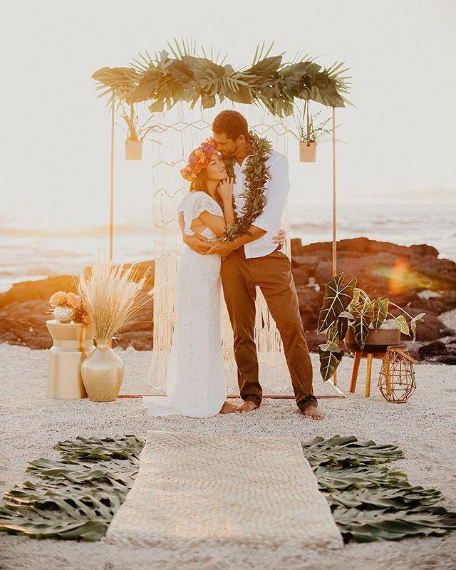 Behind the scenes with a couple talented women and a stunning couple @kylerkai @themodernhaku @modernmilestoneshawaii . . . . . . . #fletch #fletchphotography #hawaiiphotographer #hawaiiweddingphotographer #pacificweddings #junebugweddings #hawaiibrideandgroom #100layercake #strictlyweddings #beachvibes