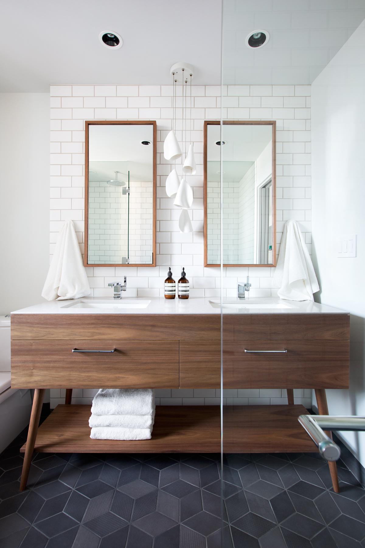 Bathroom Inspo2.jpg