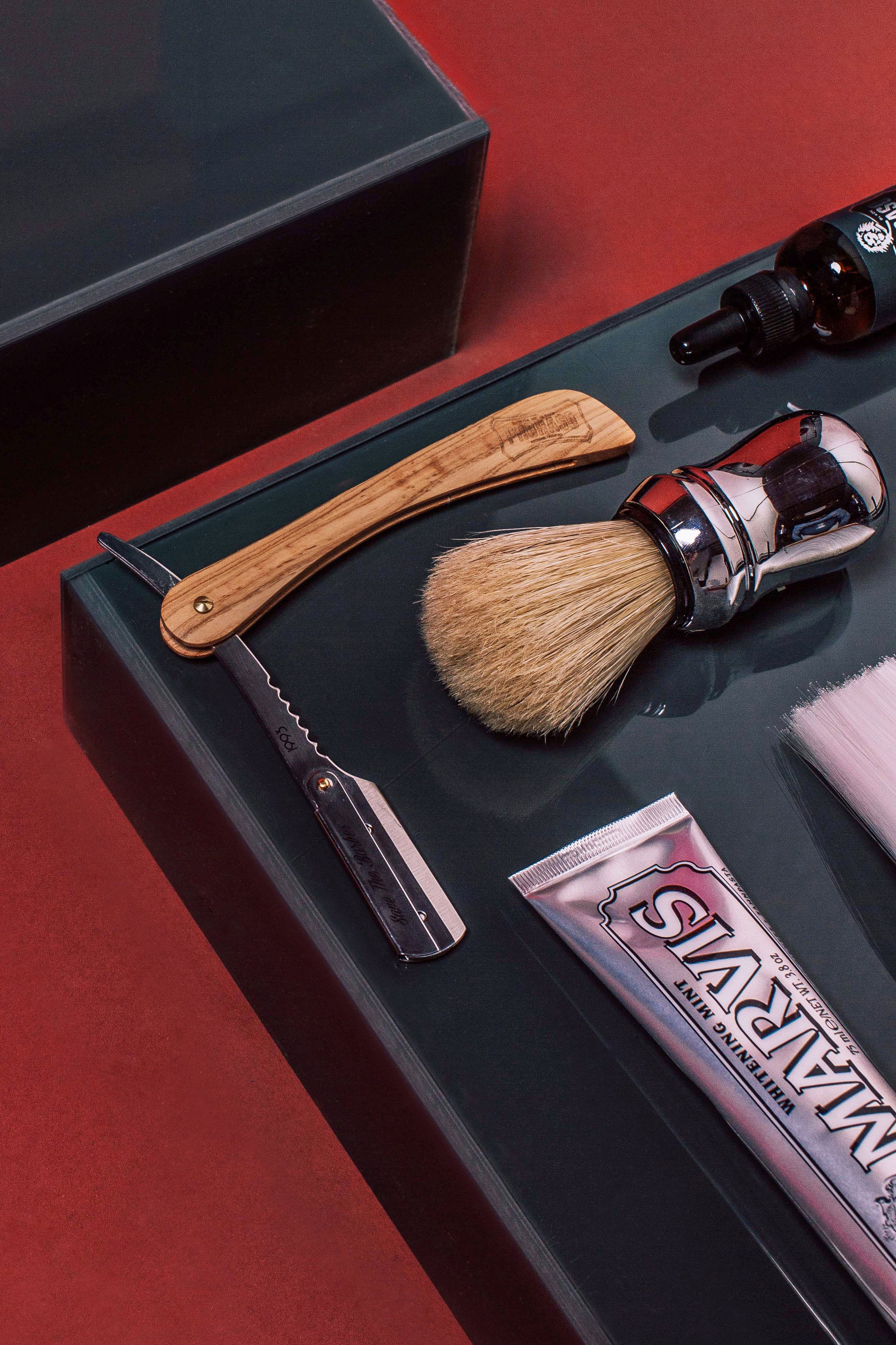 Featured: Marvis Black Toothbrush, Proraso Neck Brush, Marvis Toothpaste Whitening Mint, Save The Barber Razor Shaver, Proraso Pannello Shaver Brush, Proraso Protect Olio Cura Barba Beard Oil, Proraso Moustache Wax