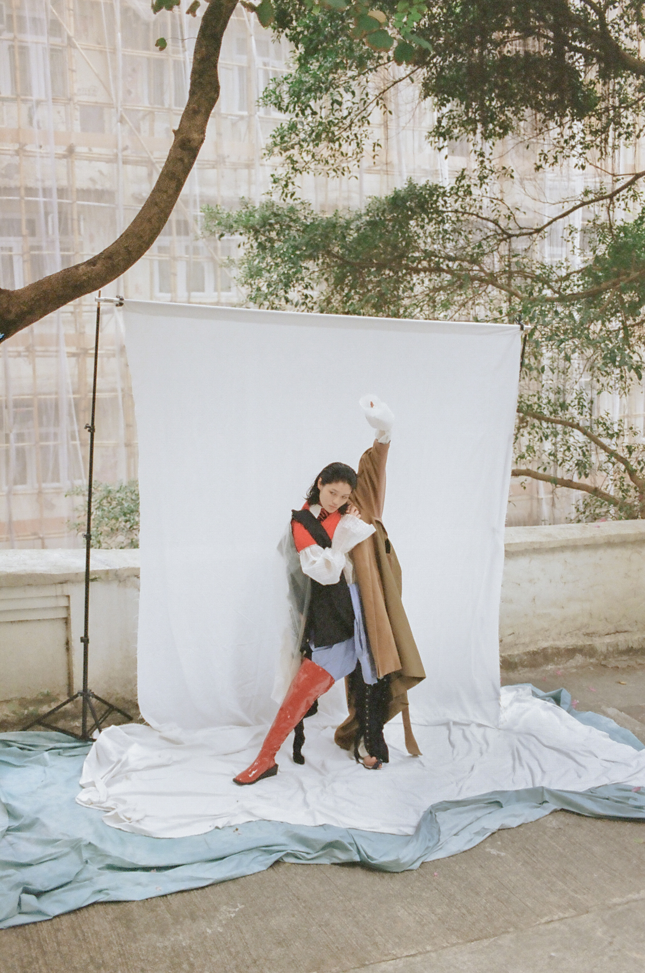 On Jennifer - Photographer & Art director