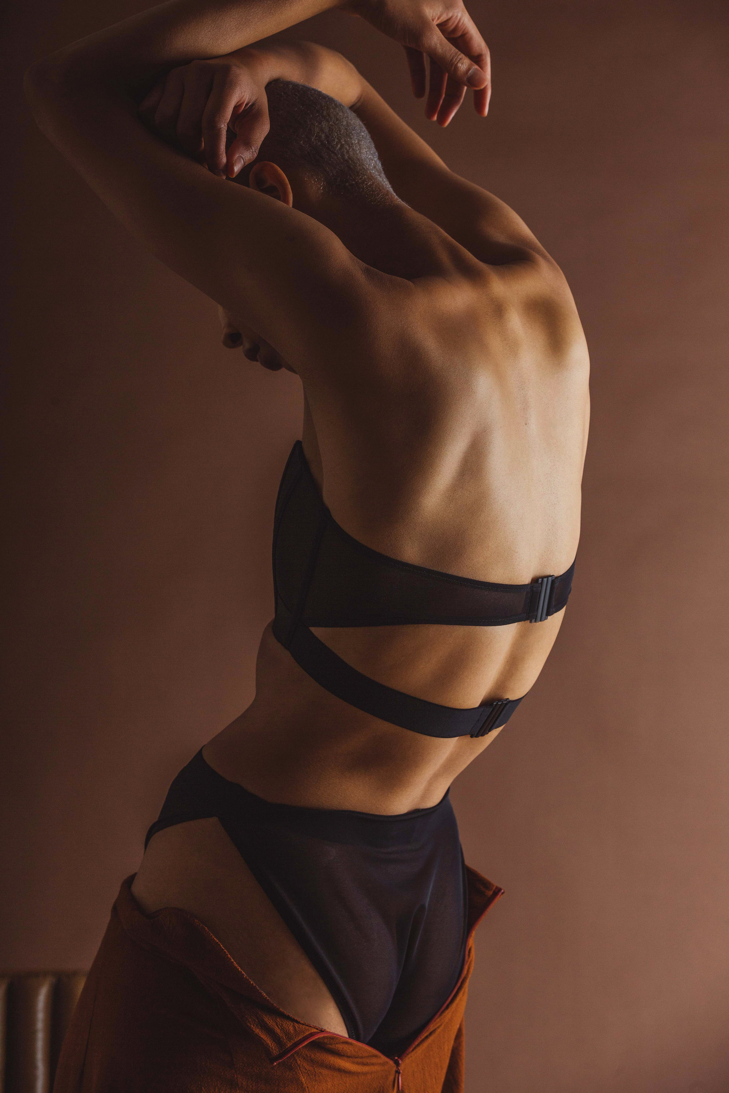 Featured: La Fille d'O:  Primary busty bra, panty  Limb the Label:  Seamless pant in rust