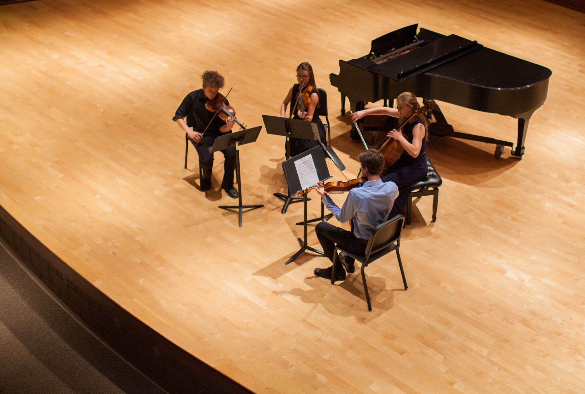 Performances - Over the course of 3 weeks, students will have weekly solo and chamber group performance opportunities through weekly faculty studio classes, masterclasses, as well as 3 student concerts on and off campus.