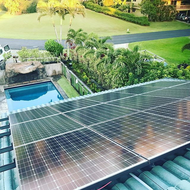 Happy Aloha Friday everybody 🤙🏼 #solarsystem #solarpanels #renewableenergy #gogreen #hawaii #kauai
