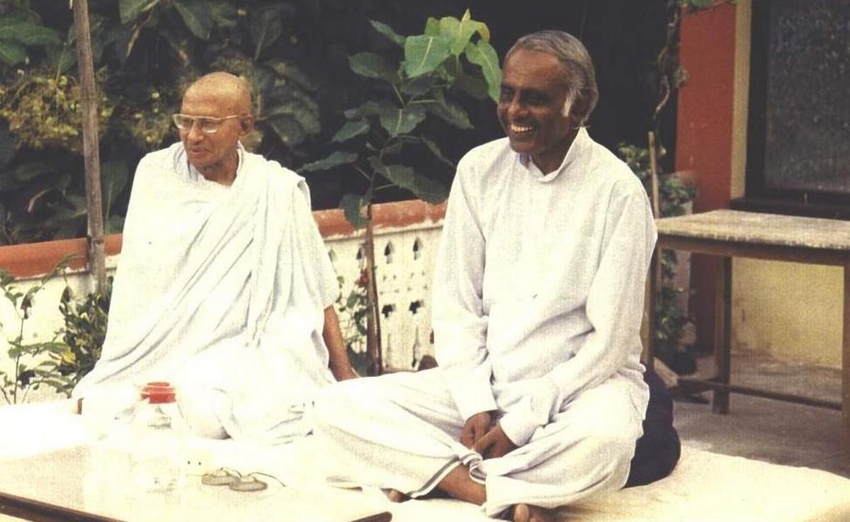 Anagarika Mundindra-ji and Godwin Samararathne, Bodh Gaya India