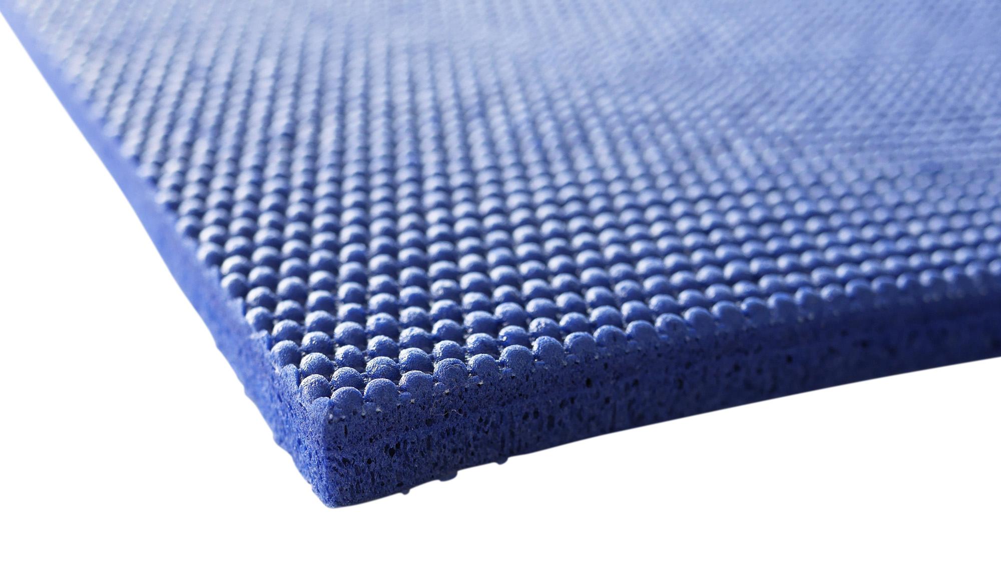 Das Knee Pad besteht aus dem gleichen Premiumschaumstoff, der auch bei der Shanti Mat XXL zum Einsatz kommt.