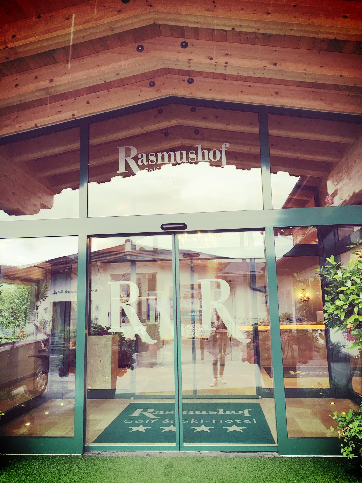 Eingangsbereich_Rasmushof.jpg