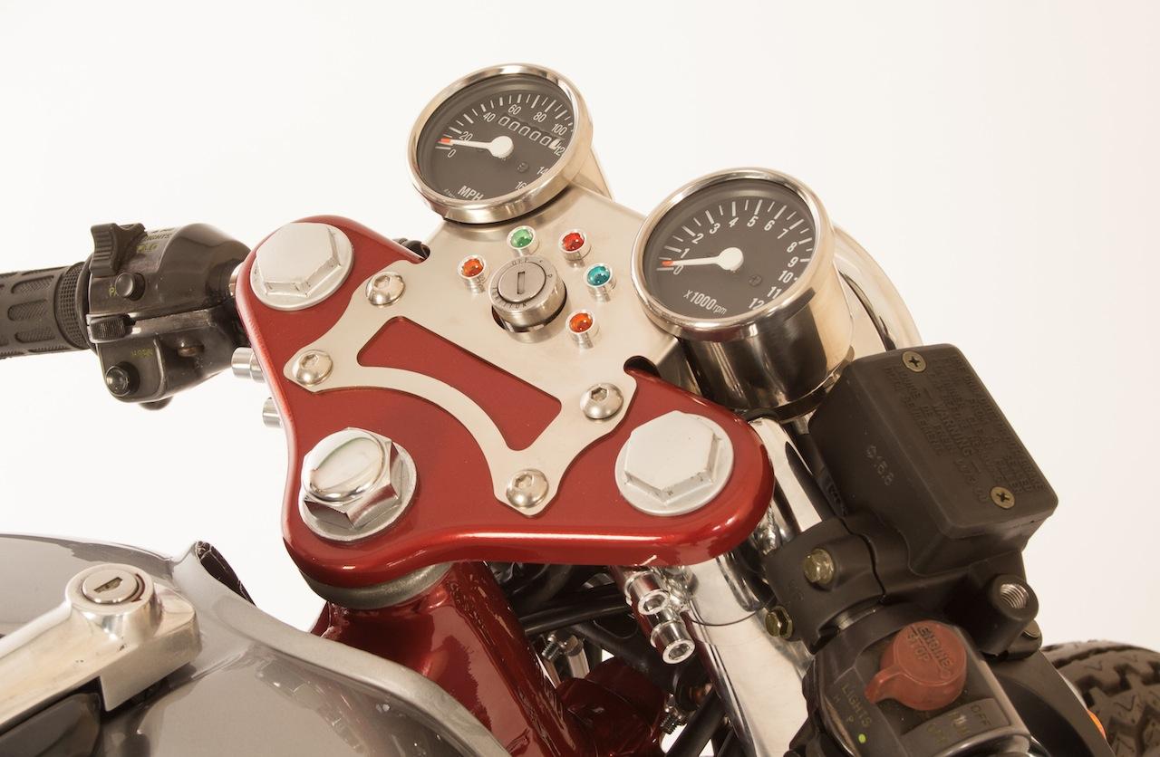 250-400-cafe-racer-3.jpg