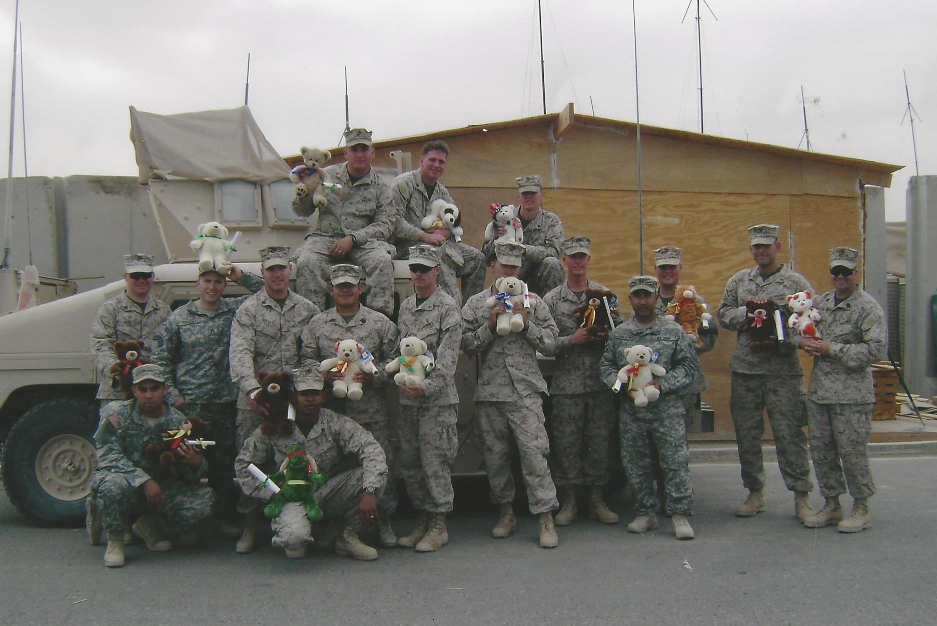 Juan Pineros w Marines.jpg