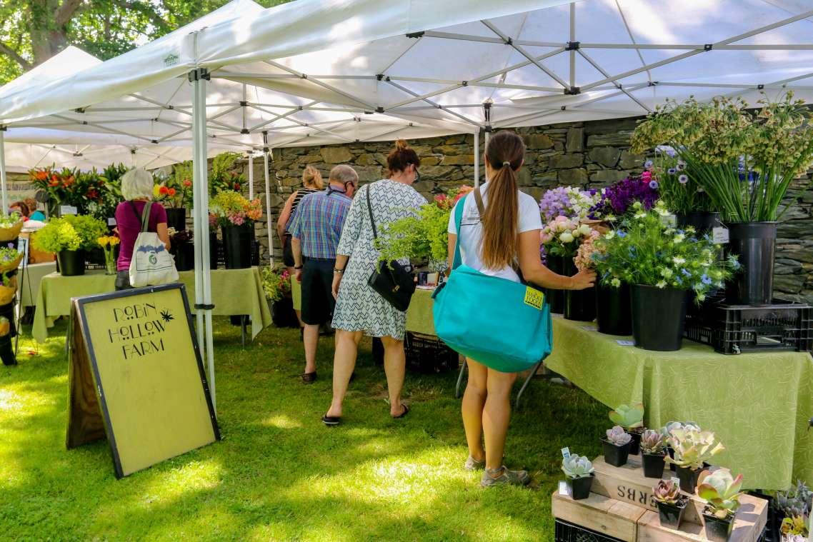 aquidneck growers market1.jpg
