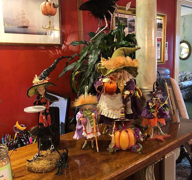 It's getting a little witchy around here... . . . . . . . . #newportbandb #lovewhereyoulive #halloweendecorations #readyfortheholidays