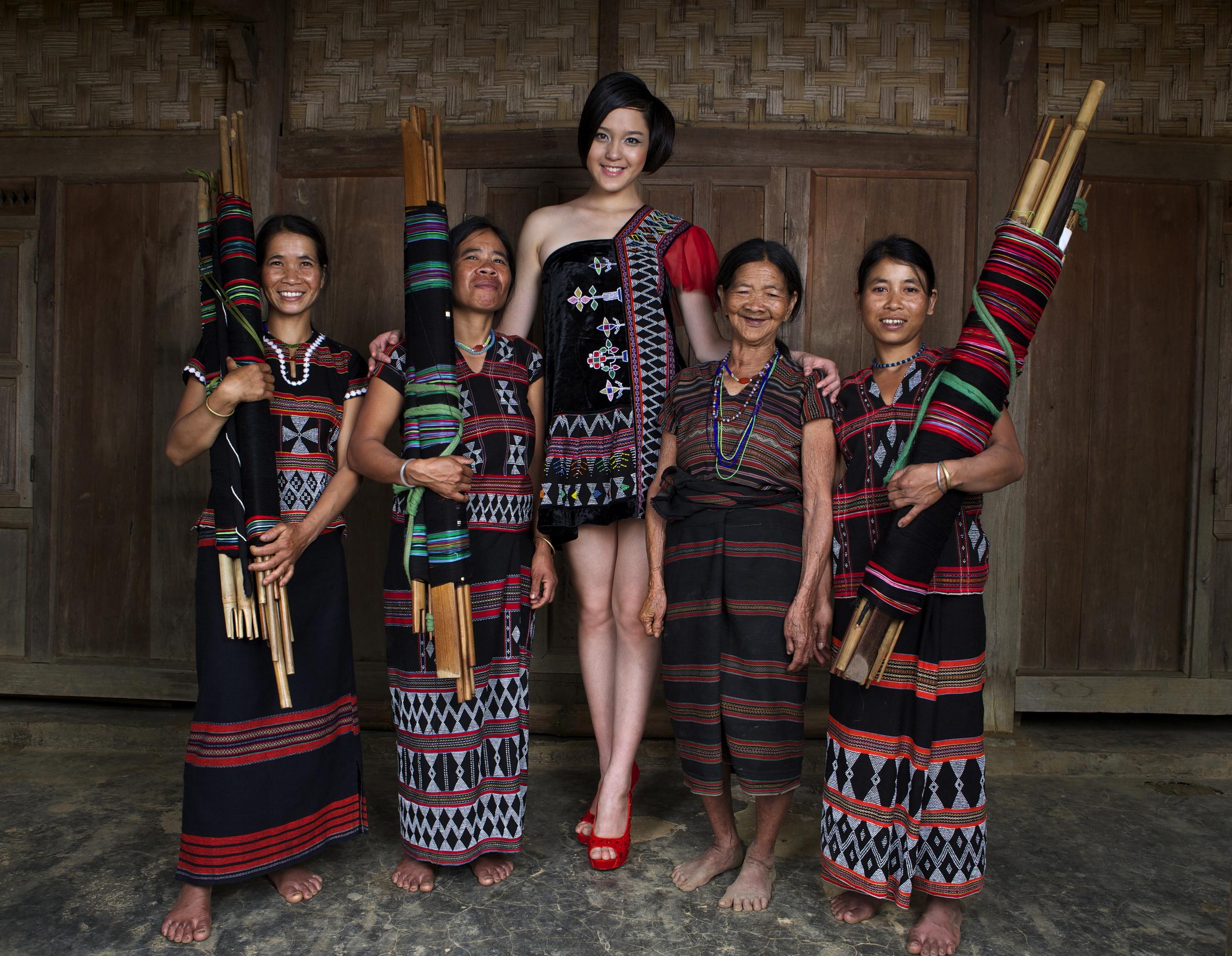 Vietnamese Ethnic Minority Craftswomen