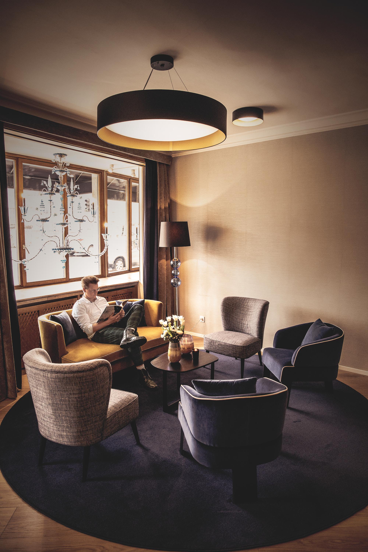 hotellobbystein_3000.JPG