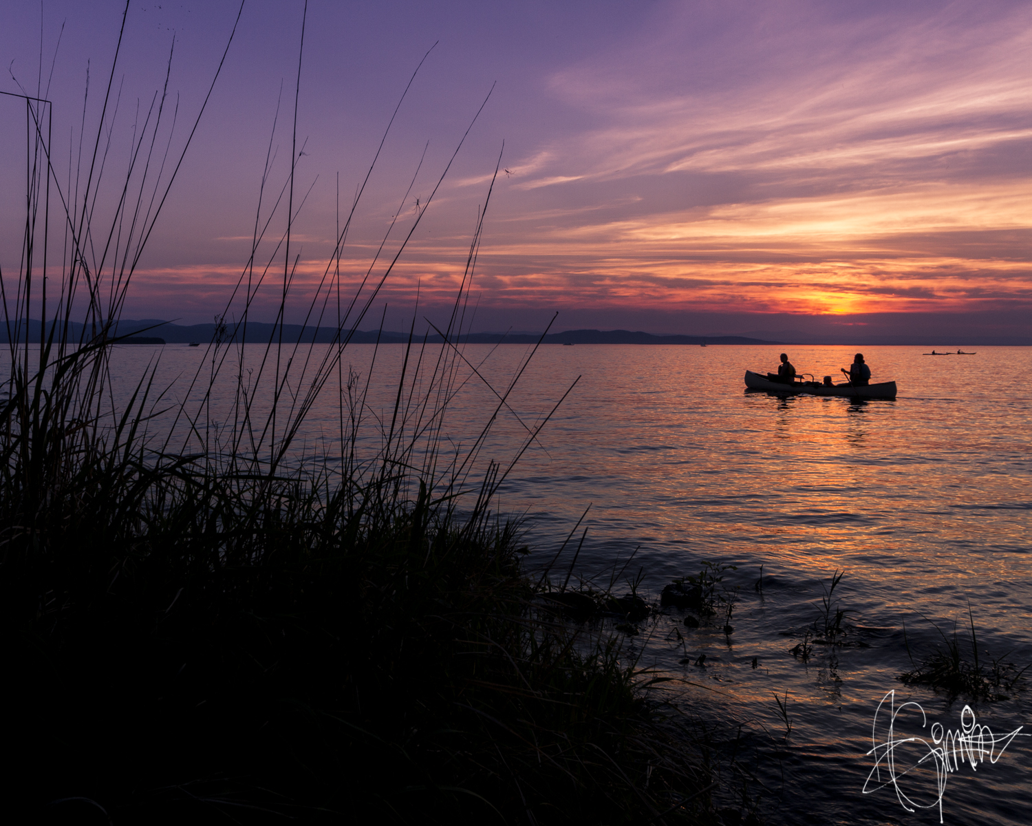 boating-at-sunset-on-lake-champlain-by-vermont-photographer-andrew-gimino.png