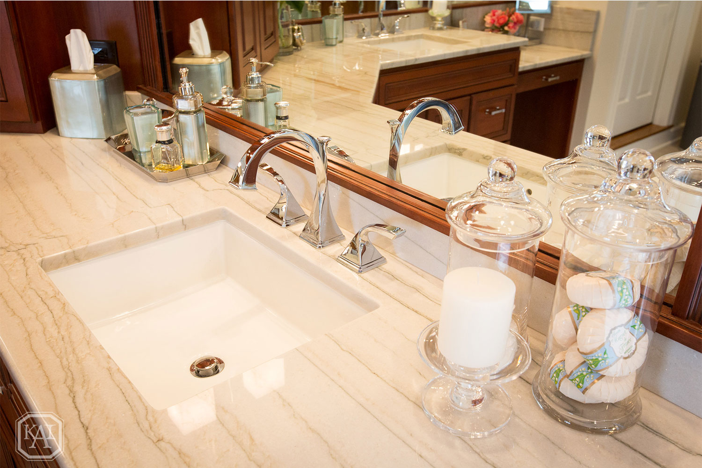 Bathroom-2-0025.jpg