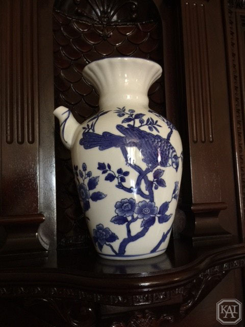 URN_BLUE AND WHITE_HALL MANTEL_WM.jpg