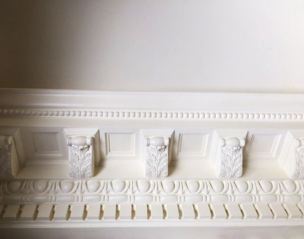 FRONT HALL CROWN MOLDING_1_EDIT.jpg