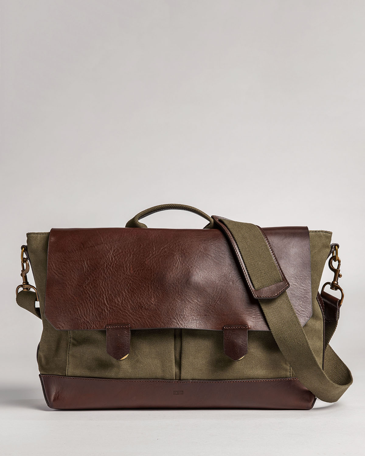 corie humble mens heritage bag collection