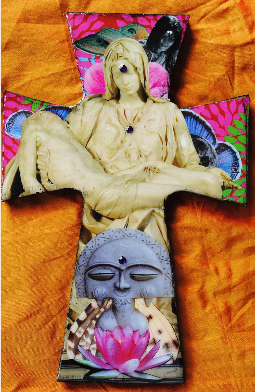 Piedad Cuántica. Cross by Carolina Luciano. 2009.jpg