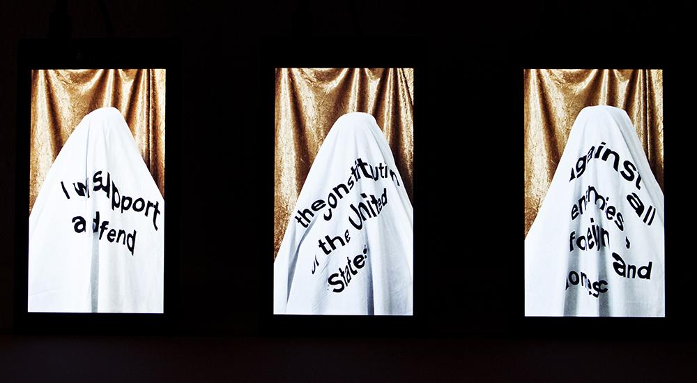 Værker af Carolina Nylund og Julie Hviid Cetti.