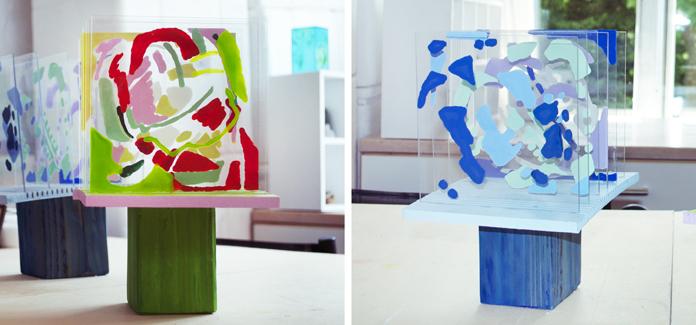 """Hannes skulpturer """"Kalejdoskop """" i bemalet plexiglas og træ."""
