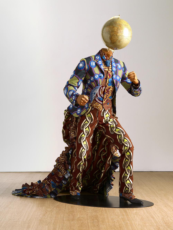 """Yinka Shonibare """"MBE, EARTH"""", 2010. Kommission: Israel Museum, Jerusalem. Copyright: kunstneren. Courtesy: kunstneren og Stephen Friedman Gallery, London. Foto: Stephen White"""