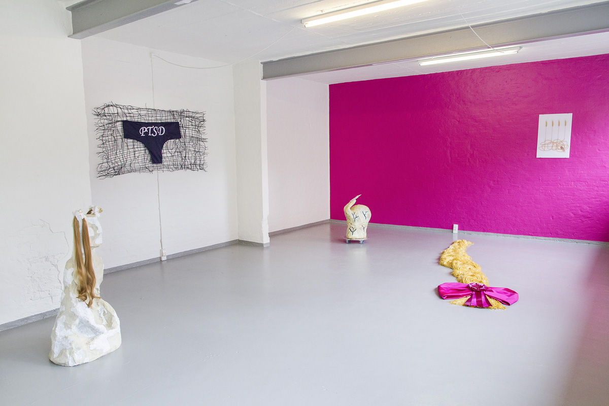 """Anna Walther """"Bad Reflection"""", installation view. Foto: A. Delafontaine."""