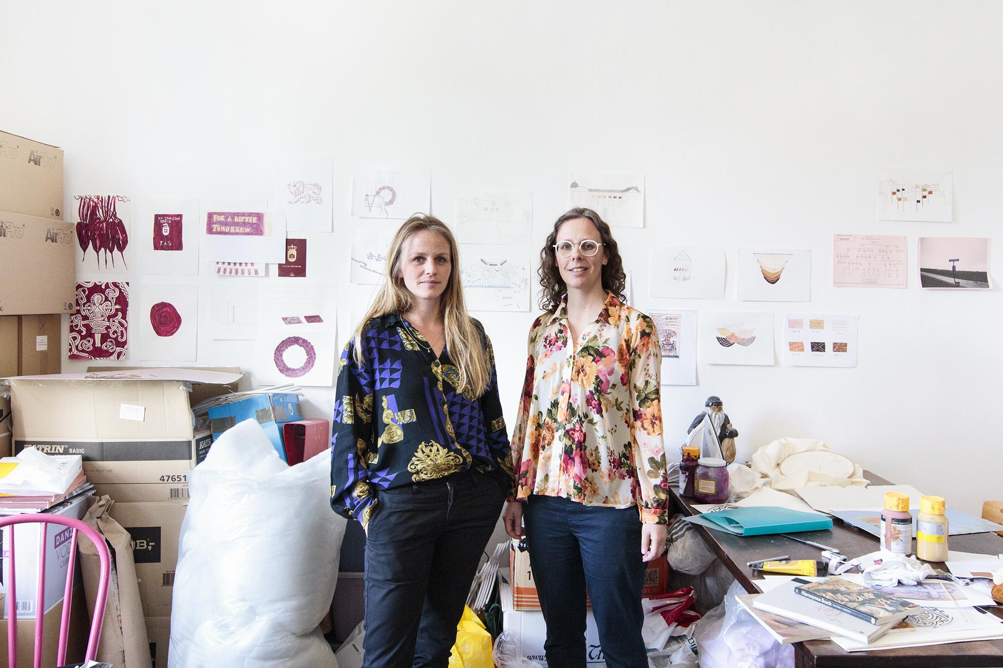 Vibeke Mejlvang (tv) og Sofie Hesselholdt (th), 2017. Foto © I DO ART Agency.