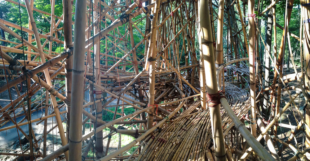 "Mike & Doug Starn ""Big Bambú I know what I am,"" 2015."