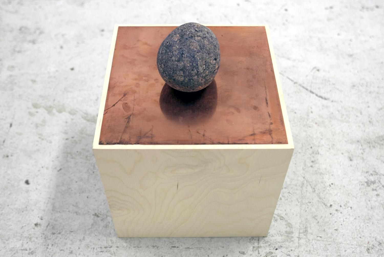 Mette Borup Kristensen, Uden titel (sten, kobber, træ).