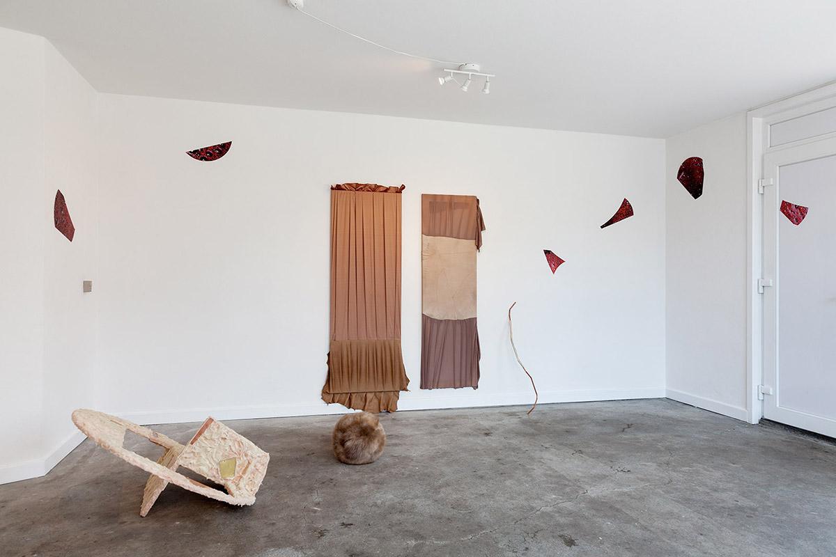 Louise Sparre, Status er PULS. Installation view, SE. Foto: Morten Barker.