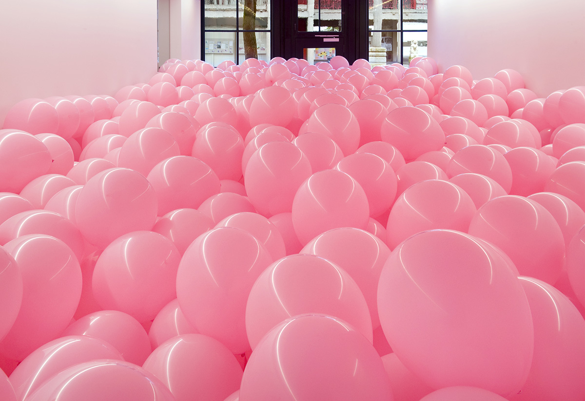 Martin Creed, Work No. 329, Half the air in a given space, 2004, © Martin Creed. All Rights Reserved, DACS/Artimage 2018.